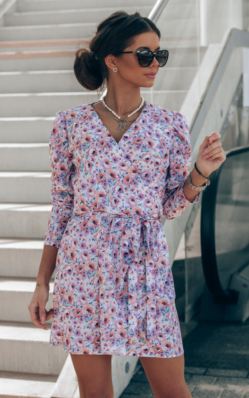 Różowo-niebieska sukienka kwiatowa kopertowa V-Neck Maribel 1