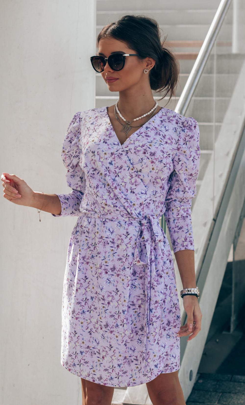 Liliowa sukienka kwiatowa kopertowa V-Neck Maribel 1