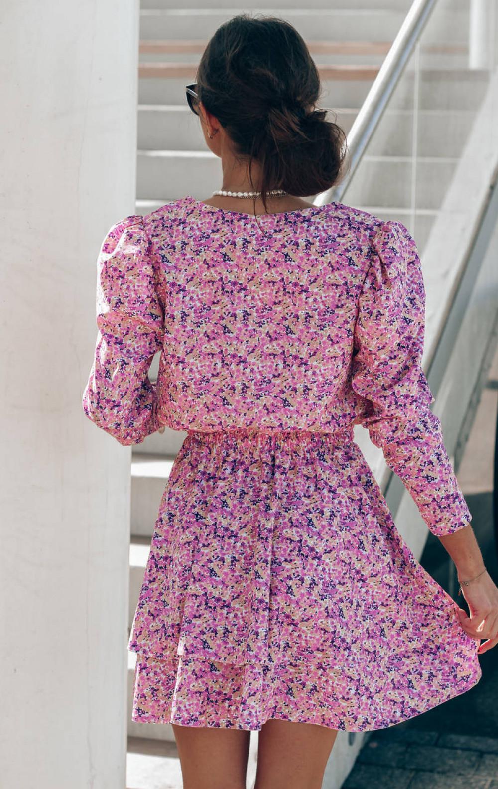 Różowa sukienka rozkloszowana V-Neck Merche 4