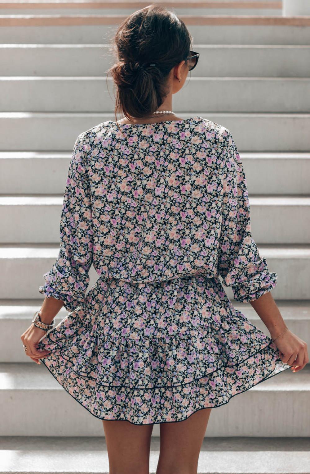 Czarno-różowa sukienka rozkloszowana z falbankami V-Neck Susana 4