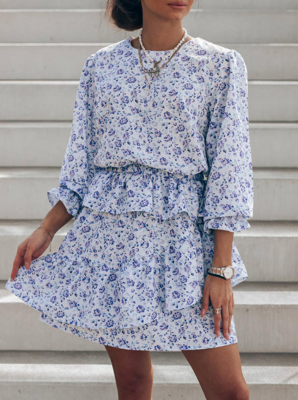 Niebieska sukienka rozkloszowana z falbankami Merci 2