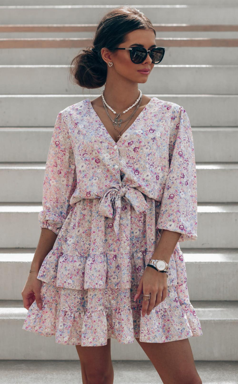 Beżowo-różowa sukienka kwiatowa rozkloszowana z falbankami Abella 1