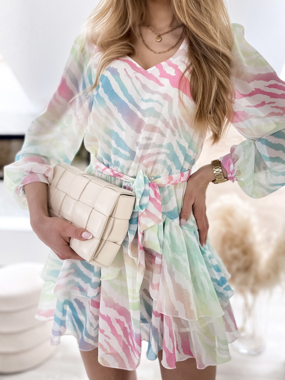 Pastelowa panterkowa sukienka szyfonowa rozkloszowana Virgo 3