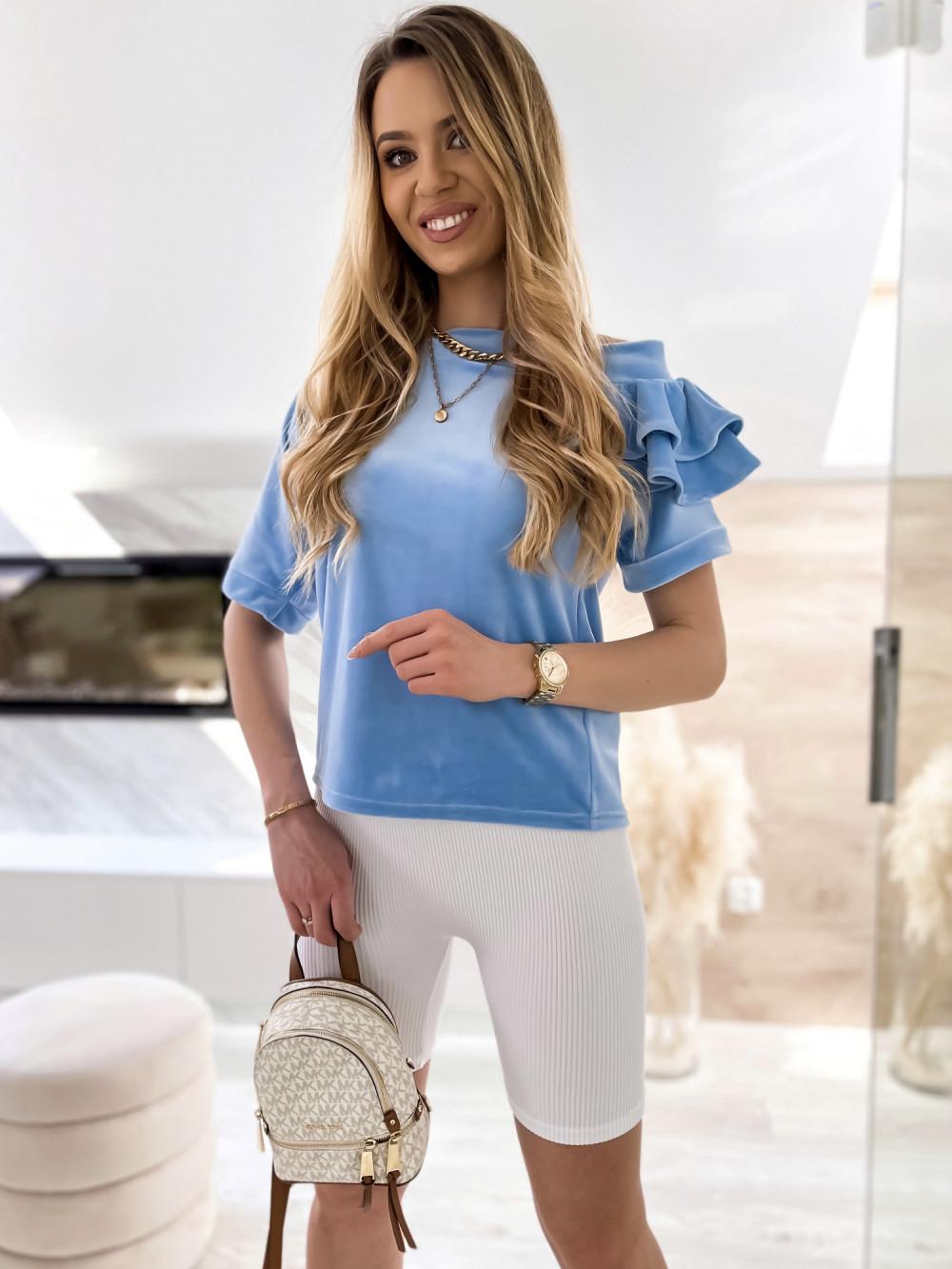 Jasnoniebieska welurowa bluzka z falbankami i krótkim rękawem Wendy 1