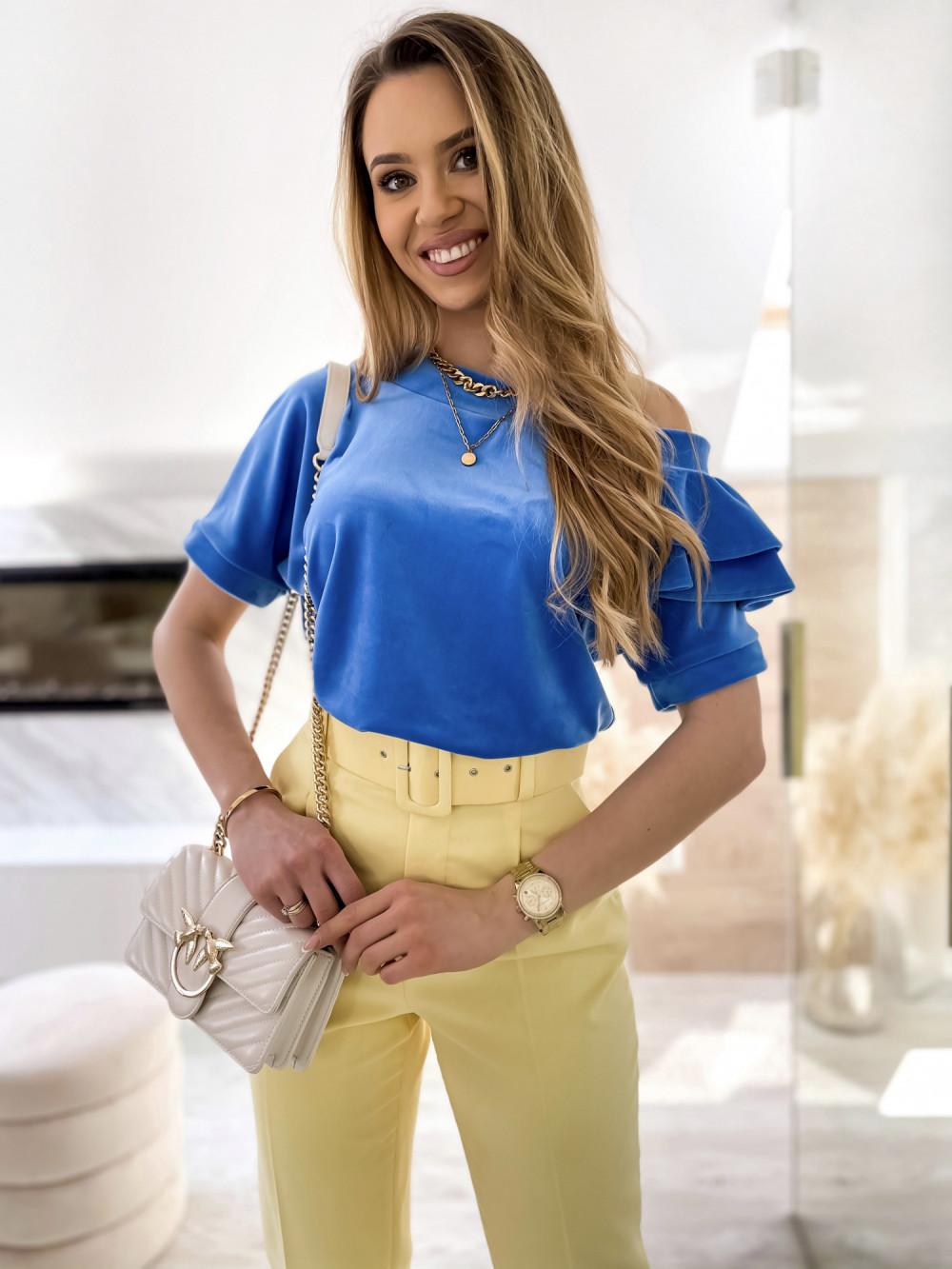 Niebieska welurowa bluzka z falbankami i krótkim rękawem Wendy 1