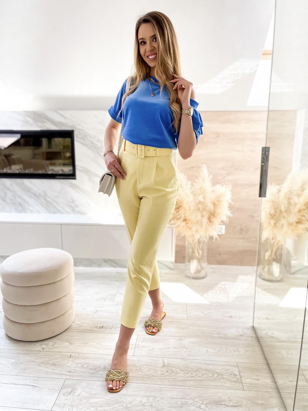 Niebieska welurowa bluzka z falbankami i krótkim rękawem Wendy 3