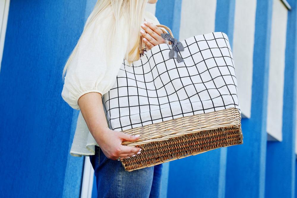 Beżowa torebka damska wiklinowa w kratkę shopper Aperto 4