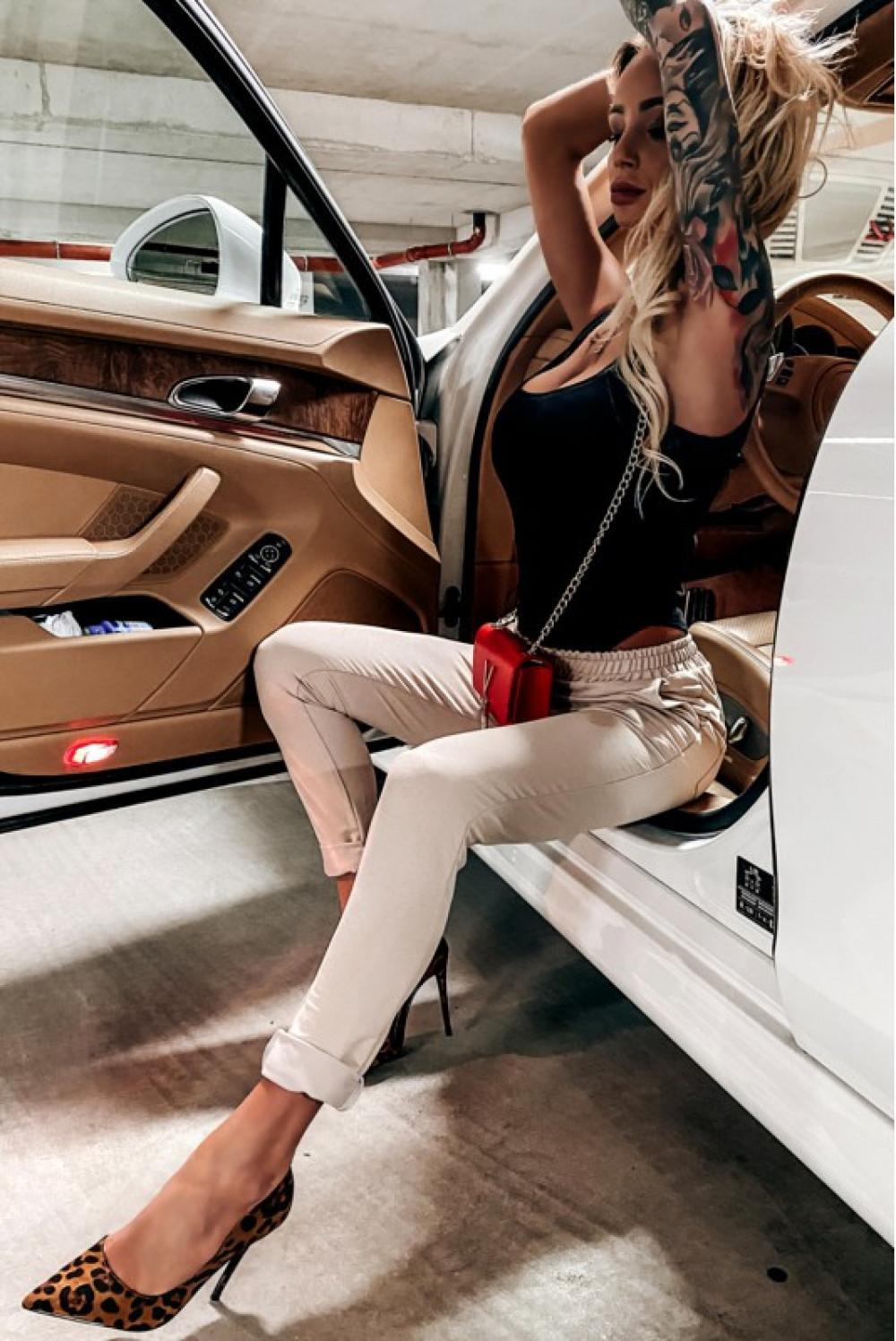 Beżowe dopasowane spodnie dresowe Océane 3