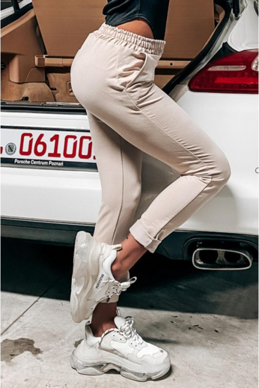 Beżowe dopasowane spodnie dresowe Océane 4