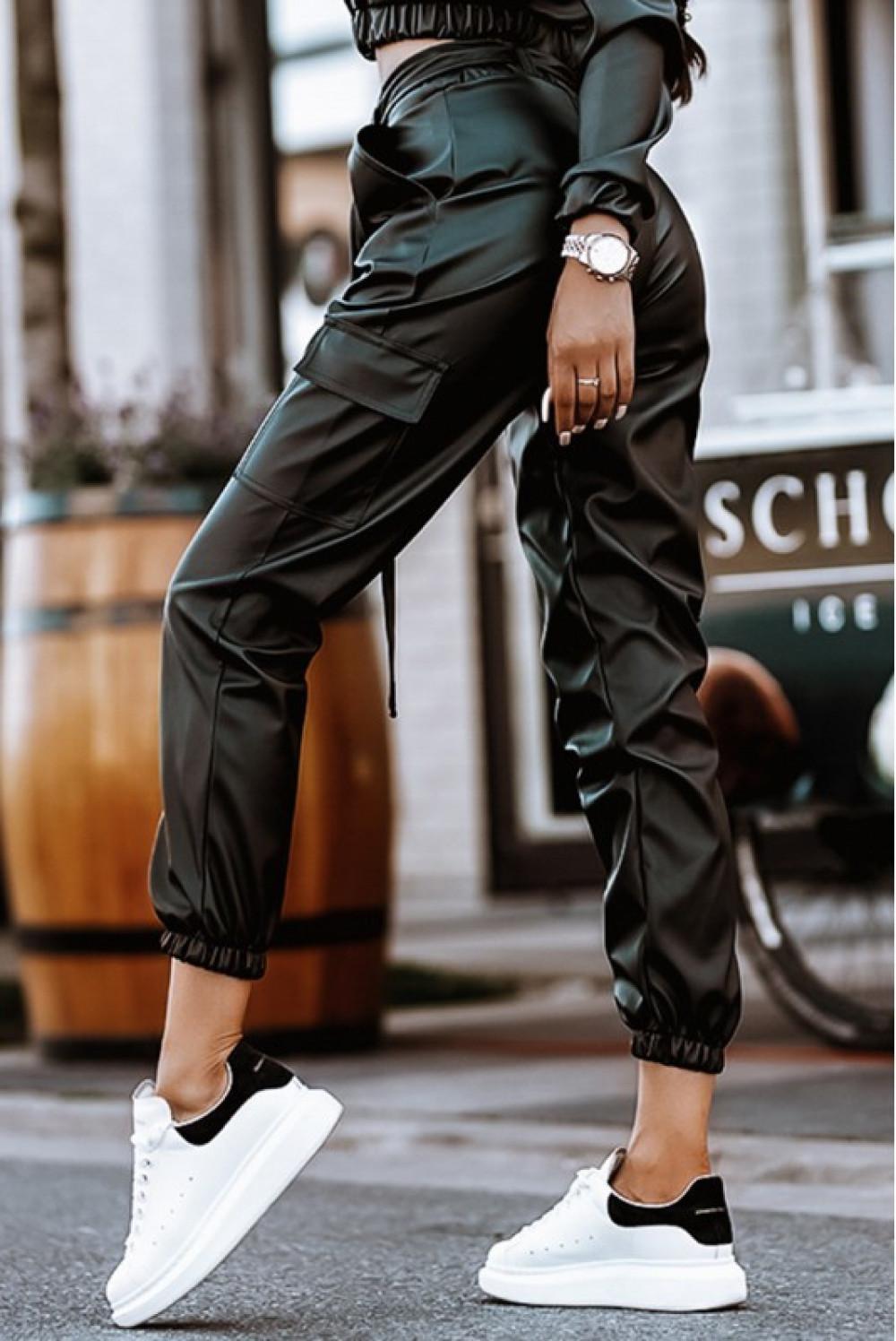 Czarne skórzane spodnie bojówki Perle 1