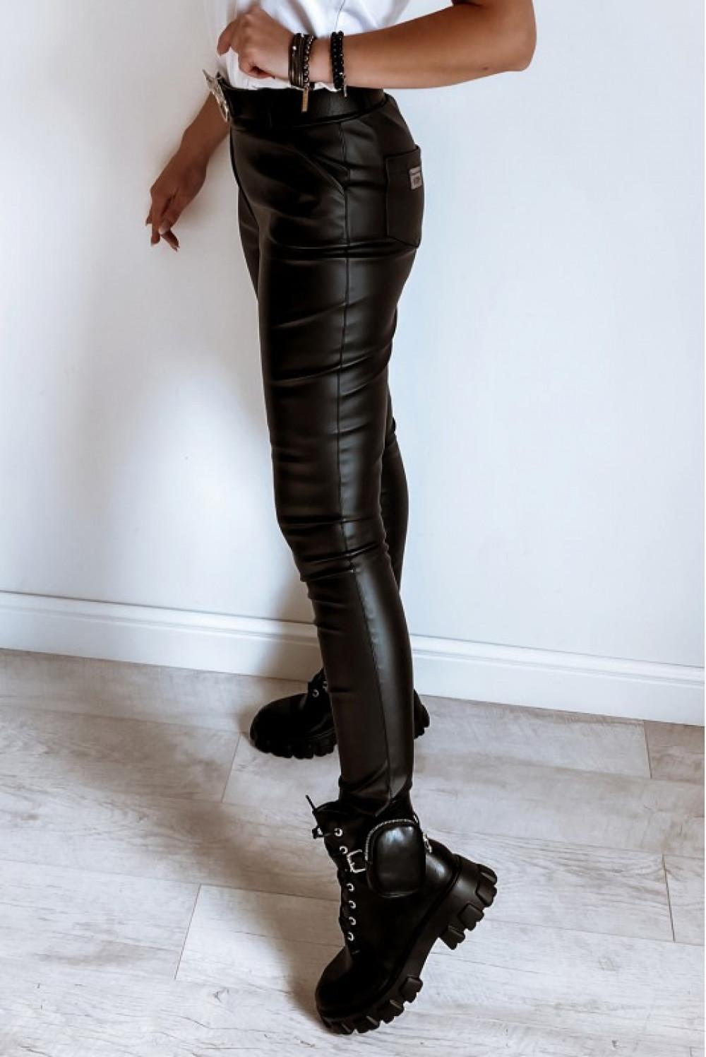 Czarne dopasowane woskowane spodnie Séphora 3
