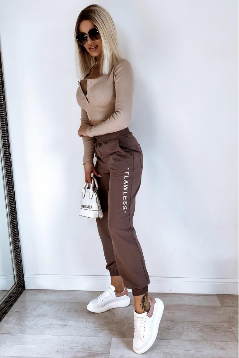 Brązowe spodnie dresowe oversize Flawless 5