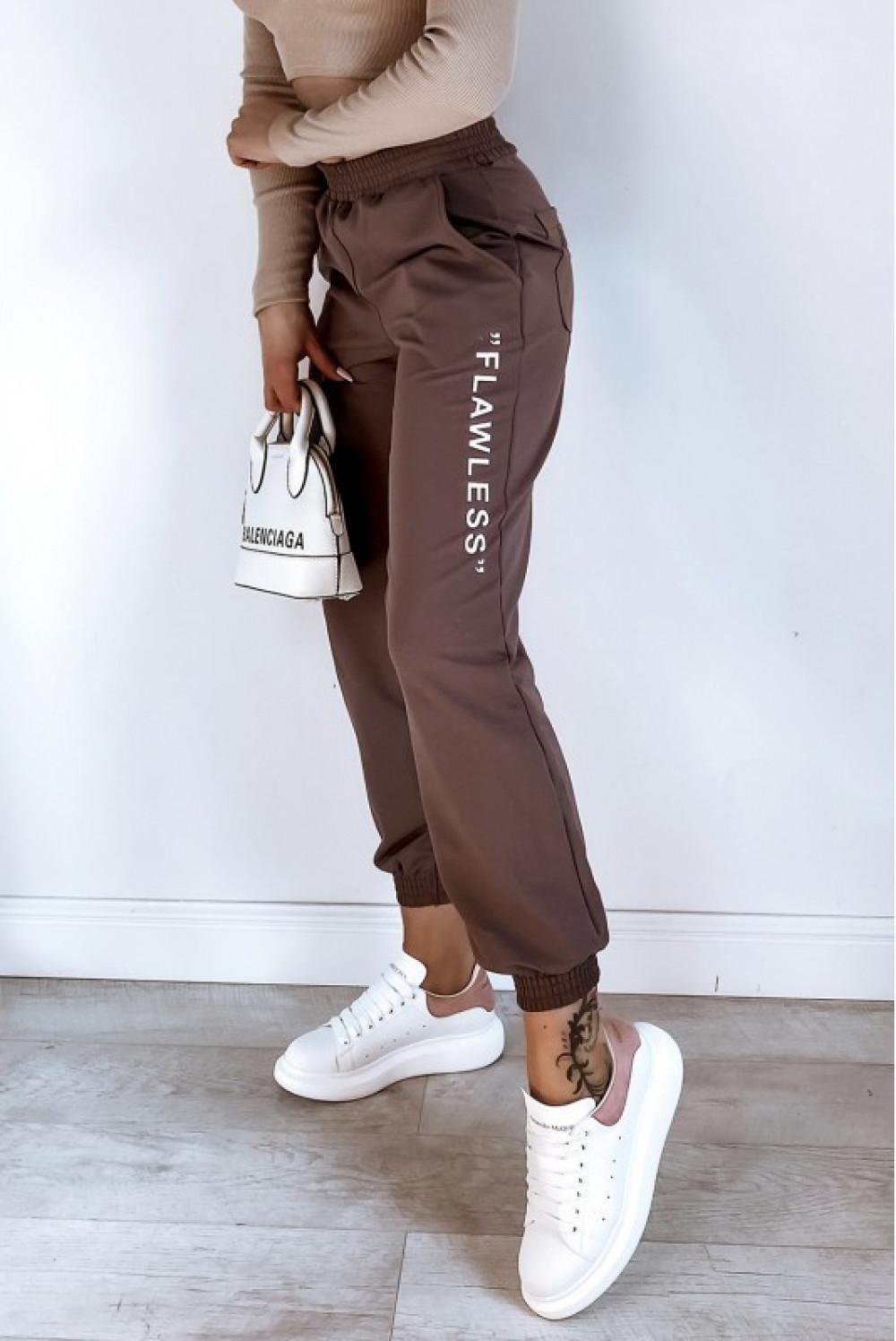 Brązowe spodnie dresowe oversize Flawless 3