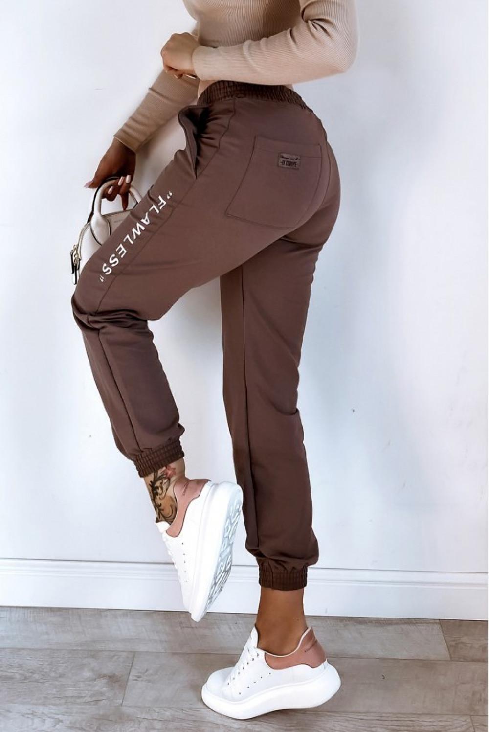 Brązowe spodnie dresowe oversize Flawless 1