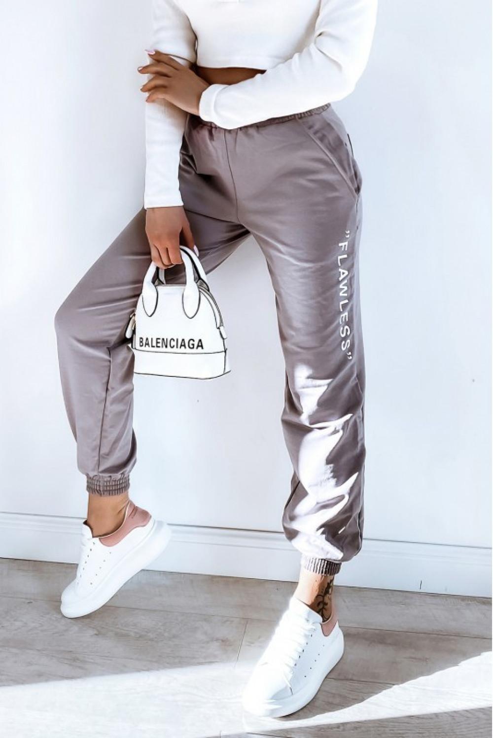 Kawowe spodnie dresowe oversize Flawless 1