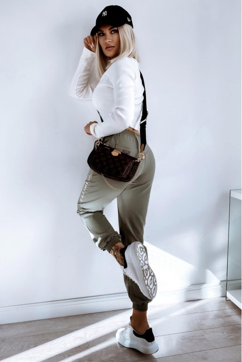 Khaki spodnie dresowe oversize Flawless 4