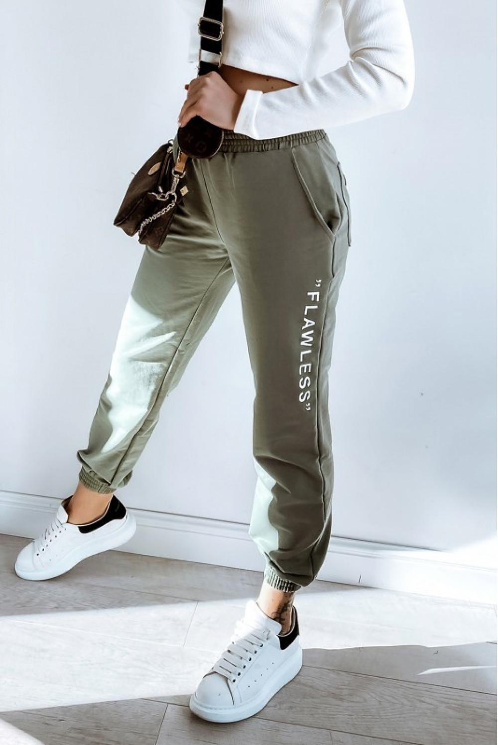 Khaki spodnie dresowe oversize Flawless 1