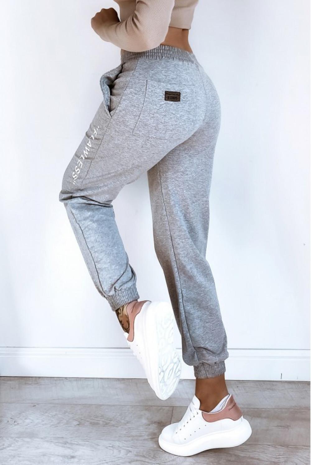 Szare spodnie dresowe oversize Flawless 1