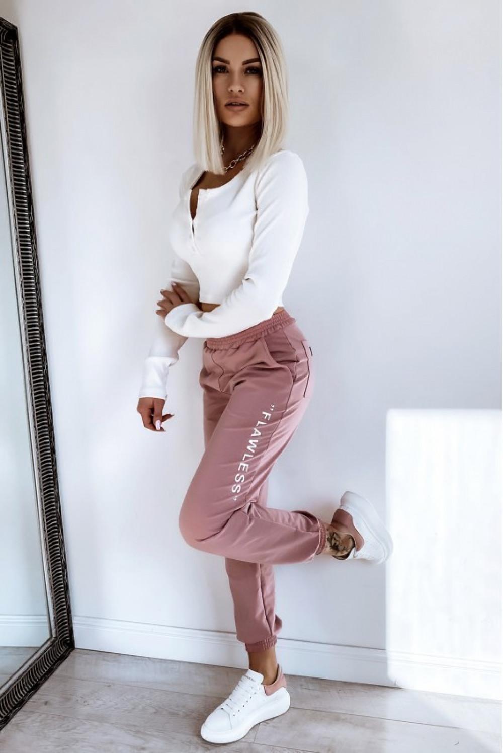 Różowe spodnie dresowe oversize Flawless 2