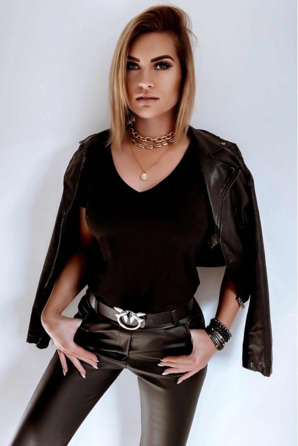 Czarny t-shirt V-Neck Chantal 7