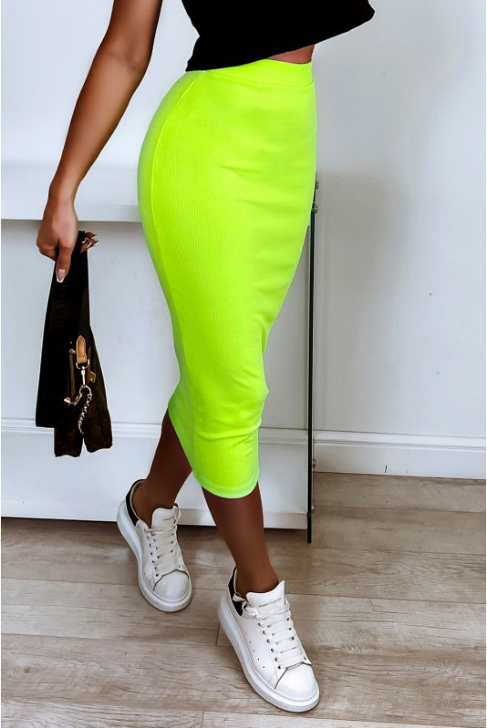 Neonowo limonkowa ołówkowa dopasowana spódnica midi Alix 1