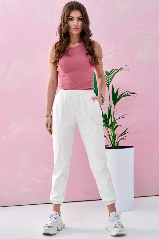Białe spodnie joggery z eko skóry Emilia 2