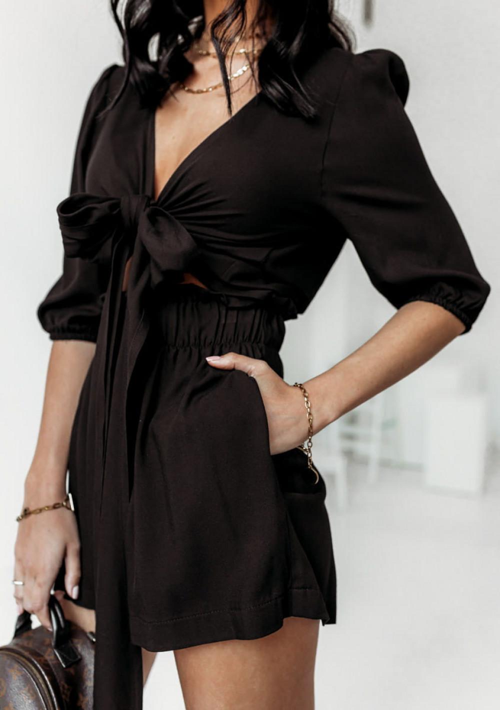Czarny komplet damski szorty i crop top z długim rękawem Ginette 2