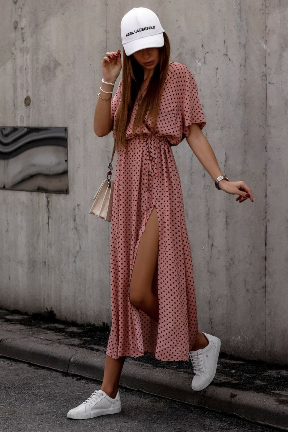Brudno różowa sukienka w kropki maxi Anna 1