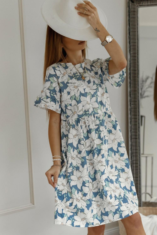 Niebiesko-biała kwiatowa sukienka rozkloszowana z falbankami Livie 2