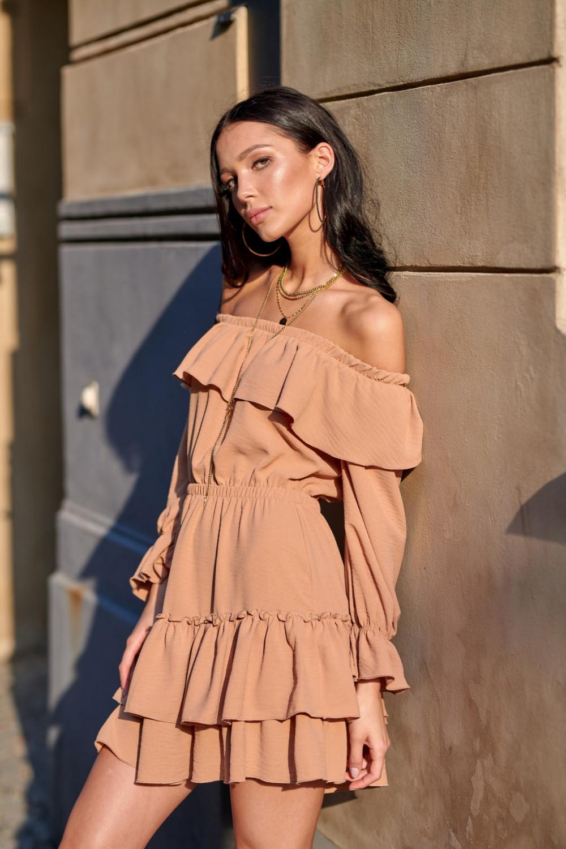 Karmelowa sukienka hiszpanka z falbankami Carmen 2