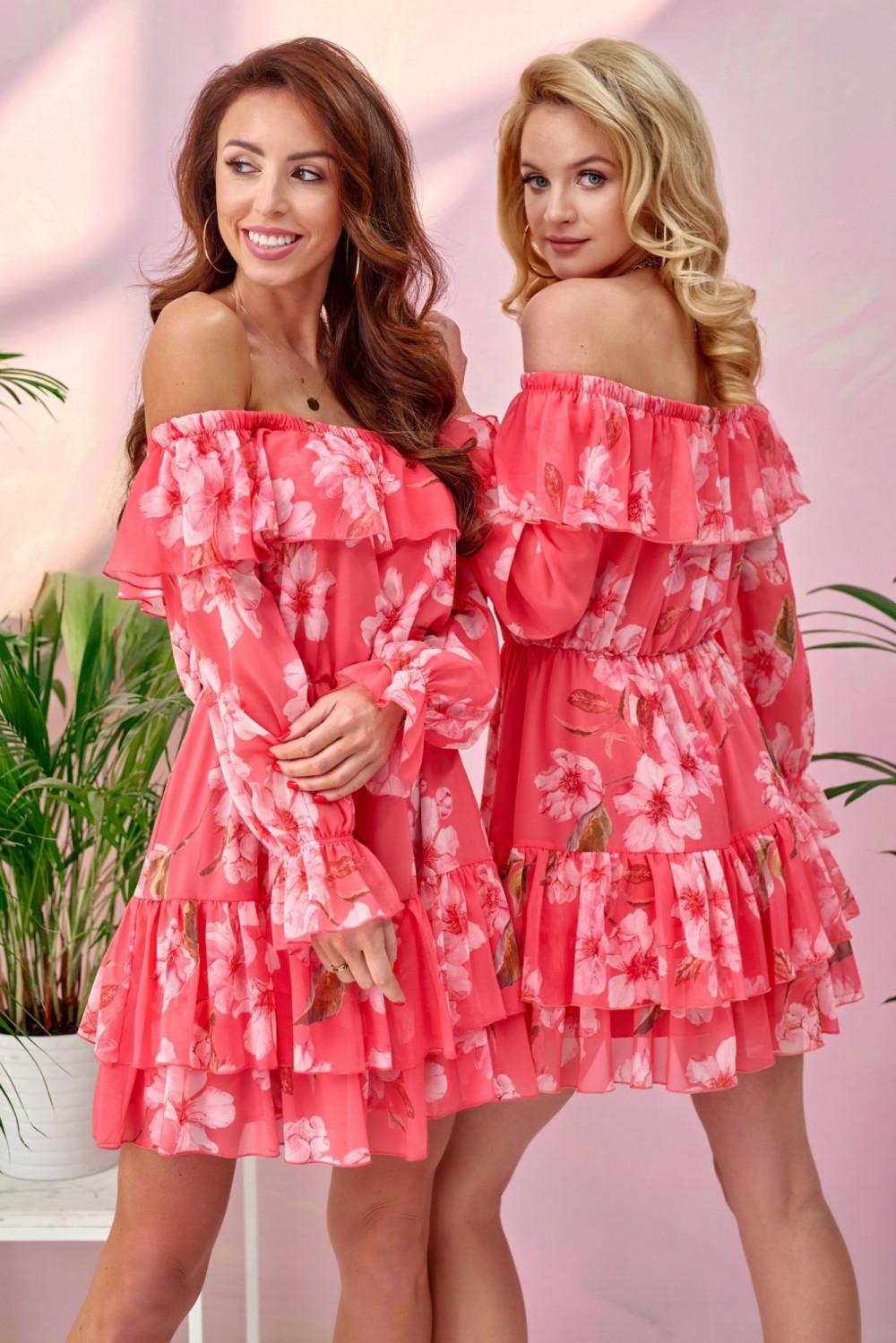 Różowa kwiatowa sukienka hiszpanka z falbankami Cosette 1
