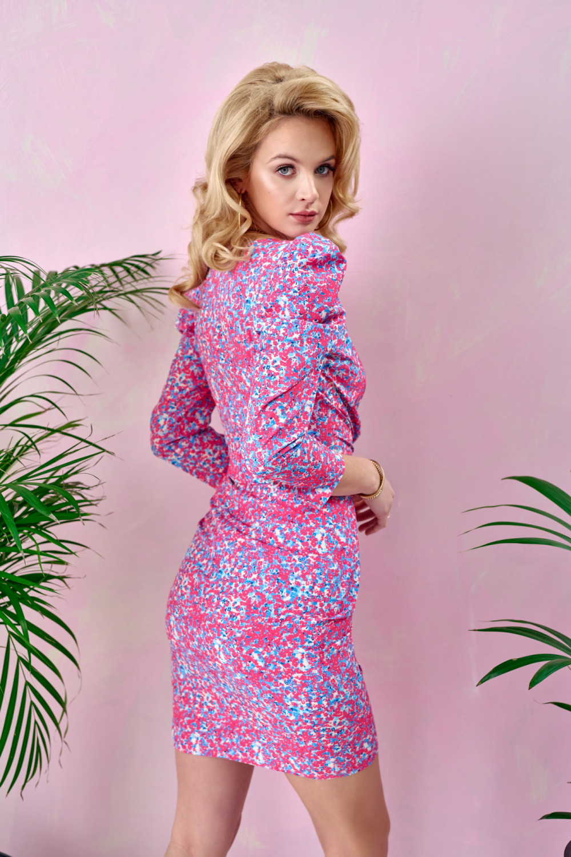 Różowa kwiatowa kopertowa sukienka V-Neck Dalila 3