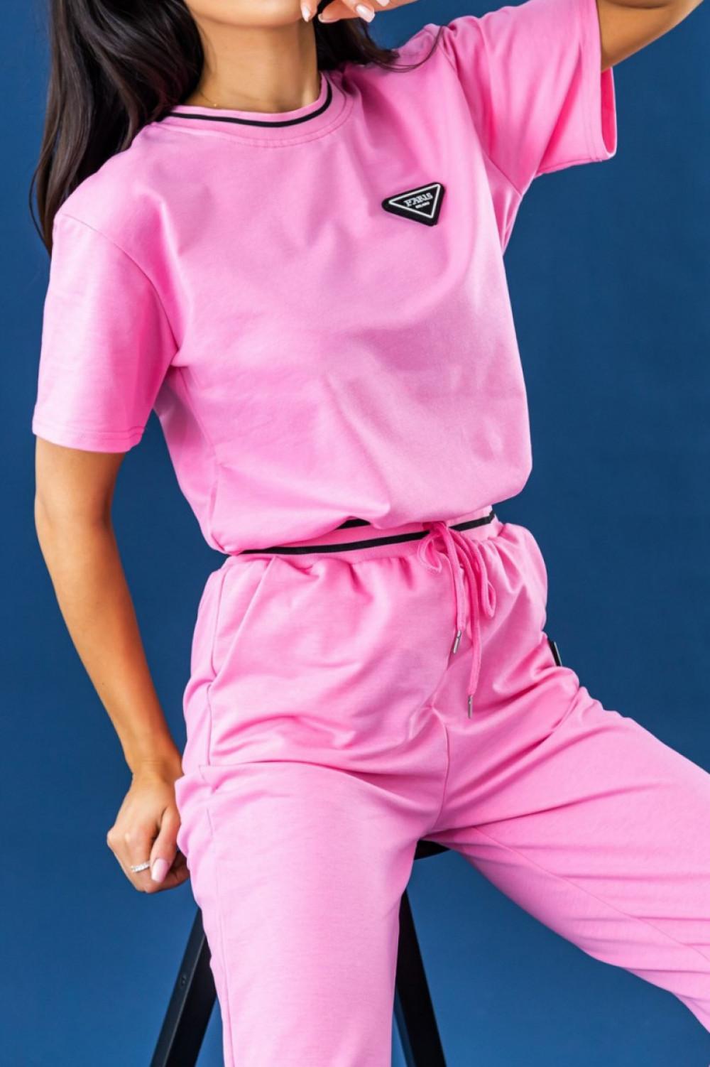 Różowy dresowy komplet damski z modnymi ściągaczami Marione 3