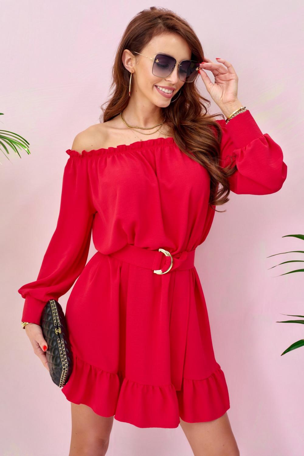 Czerwona sukienka hiszpanka z falbankami i paskiem Claire 1