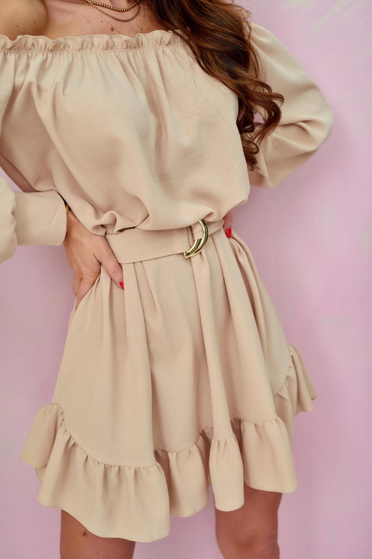 Beżowa sukienka hiszpanka z falbankami i paskiem Claire 2