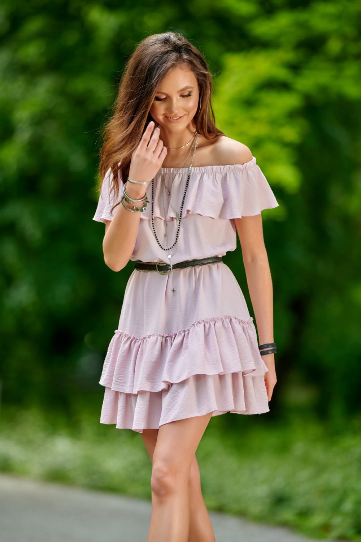 Jasnoróżowa sukienka hiszpanka z falbanką Emy 2
