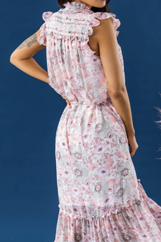 Pastelowo różowa sukienka kwiatowa z falbankami maxi Evelyne 3