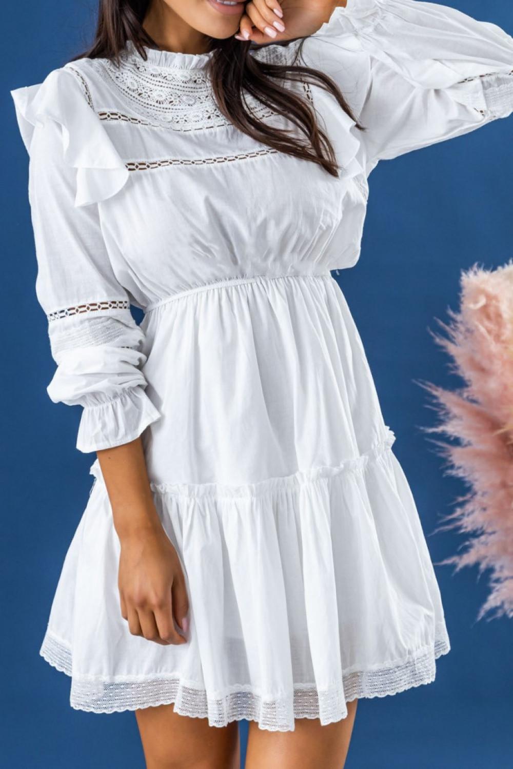 Biała ażurowa sukienka rozkloszowana z falbankami Juliette 3