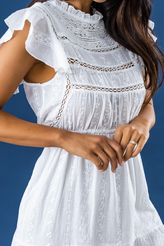 Biała długa sukienka ażurowa z falbankami maxi Grace 4