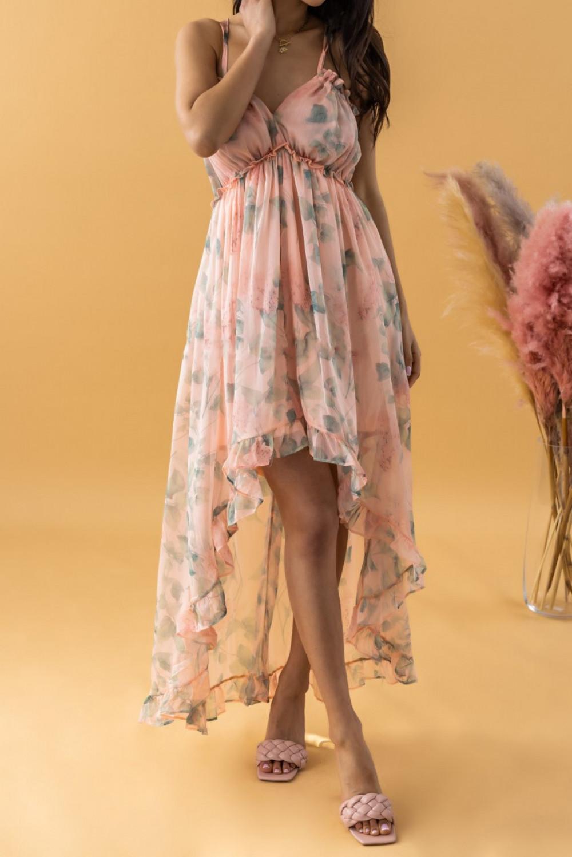 Brzoskwiniowa sukienka kwiatowa asymetryczna maxi na ramiączkach Harper 2