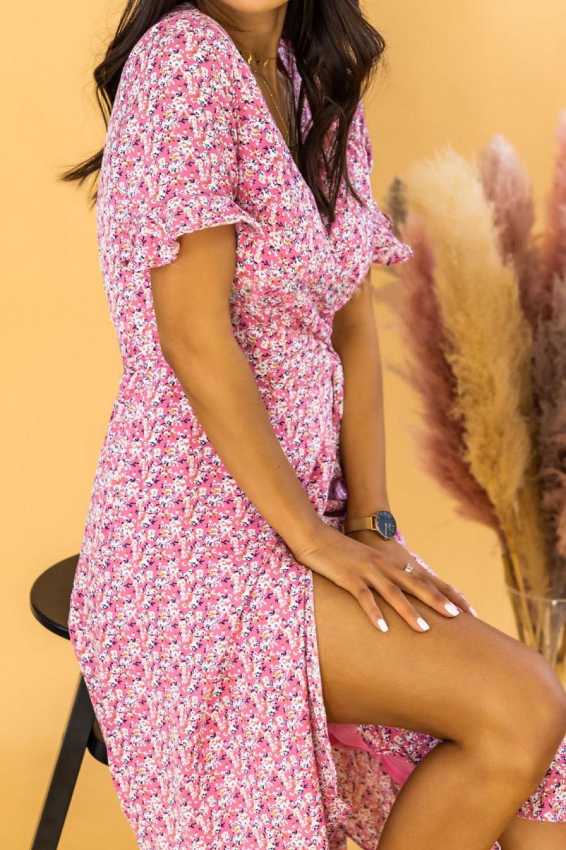 Różowa sukienka kopertowa kwiatowa midi Nela 3