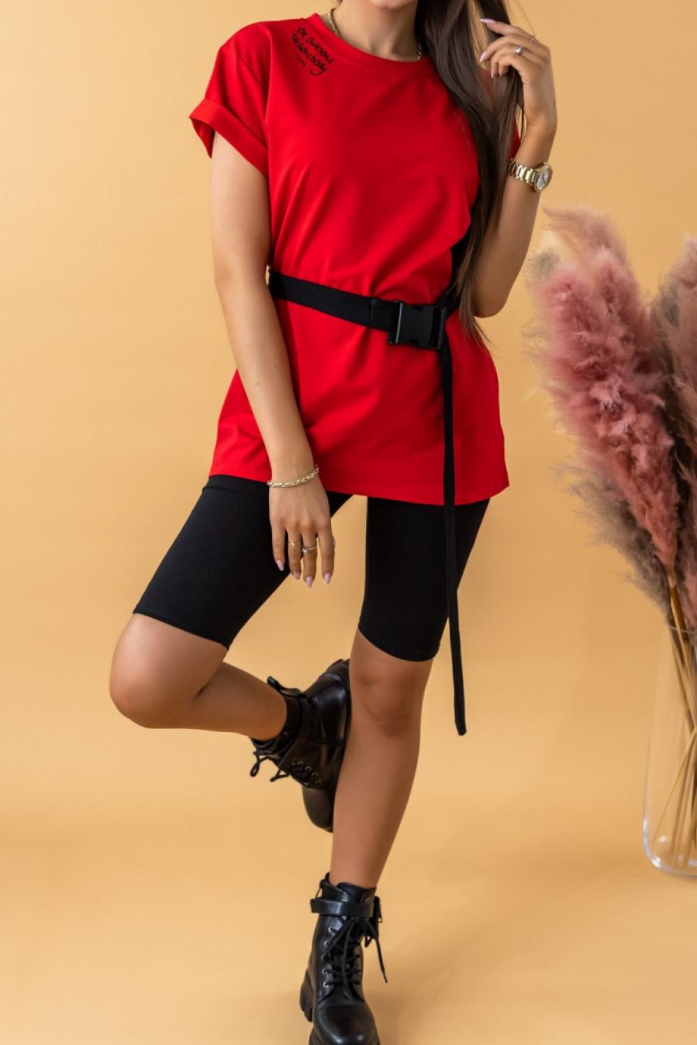 Czerwony komplet damski z t-shirtem i kolarkami Awesome 2