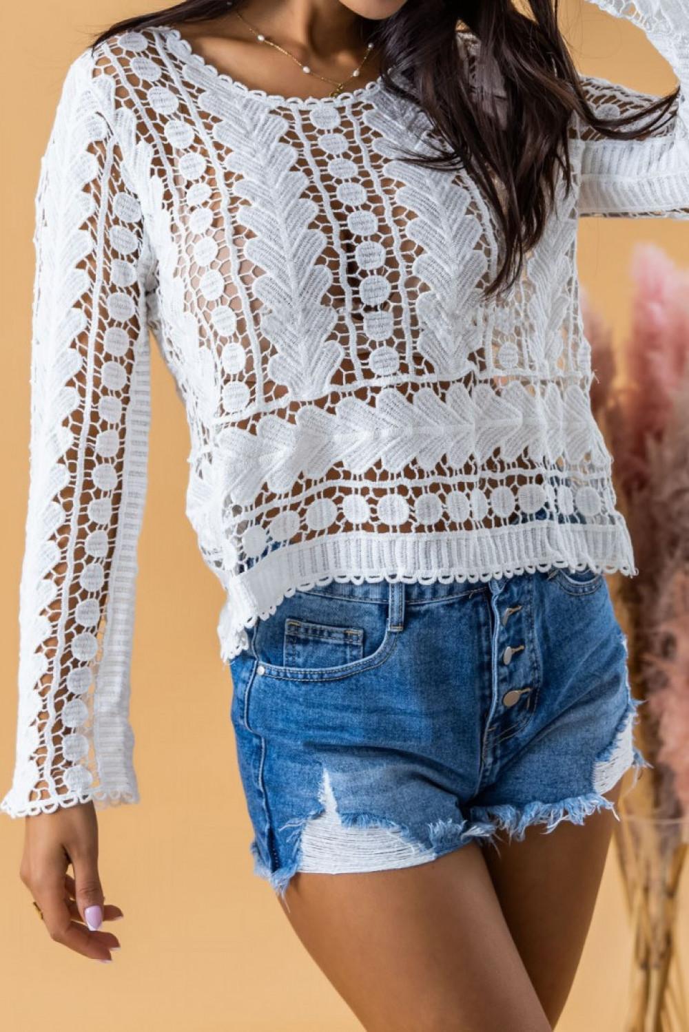 Biały ażurowy sweterek boho z luźnym rękawem Martha 2