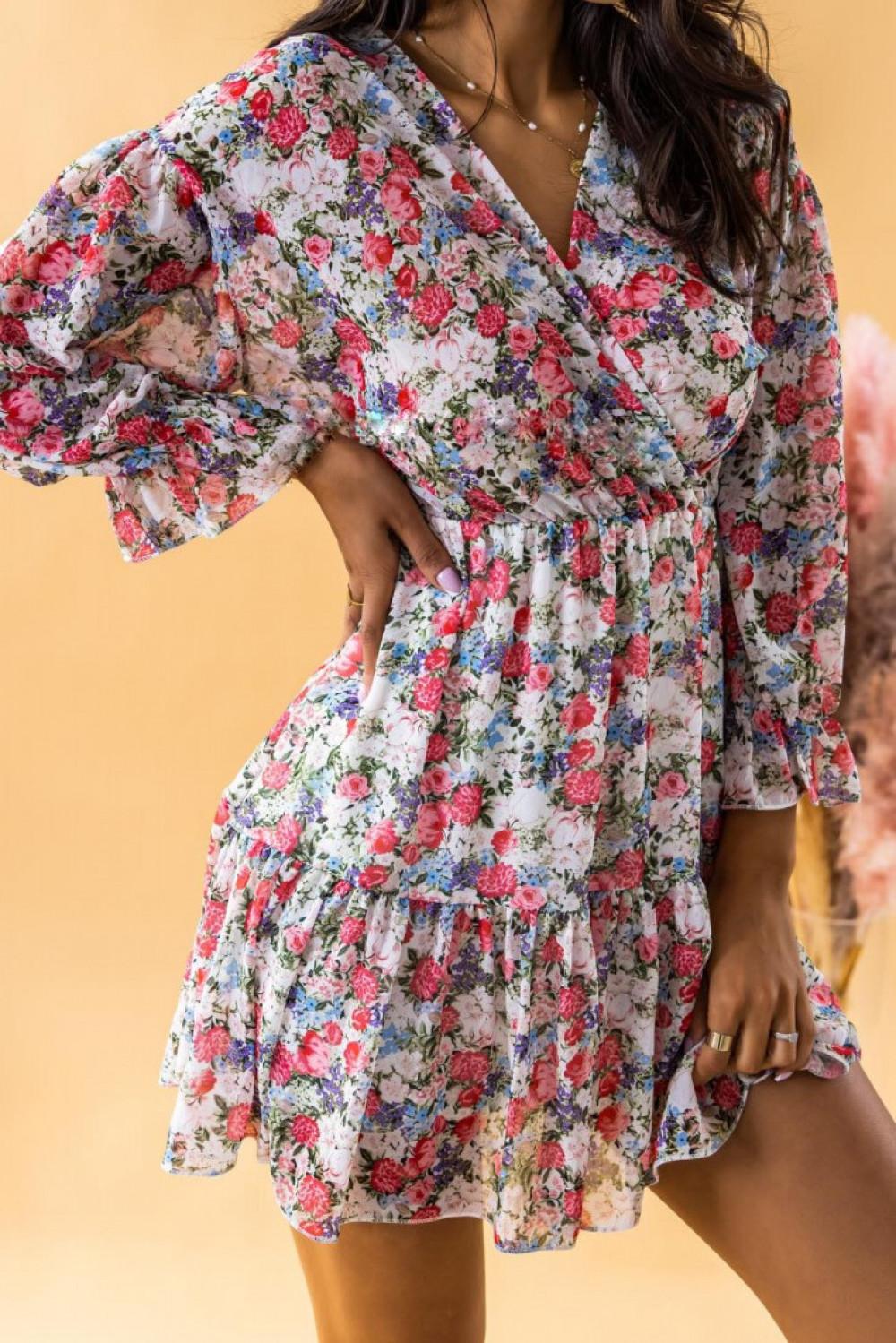 Czerwona sukienka kwiatowa rozkloszowana V-Neck Emilia 2