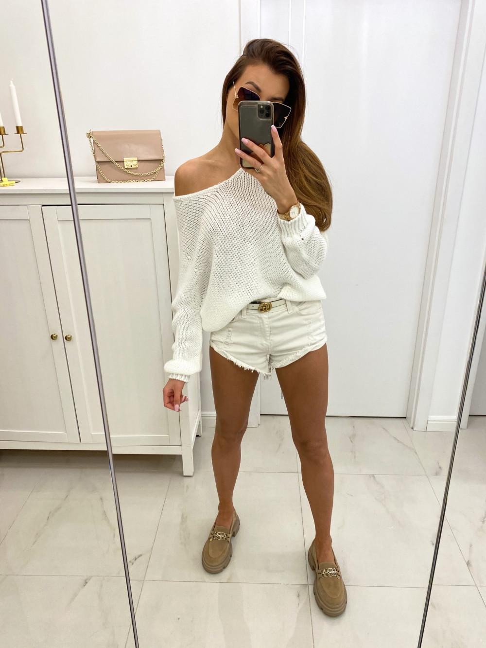 Biały sweter damski oversize Norina 2