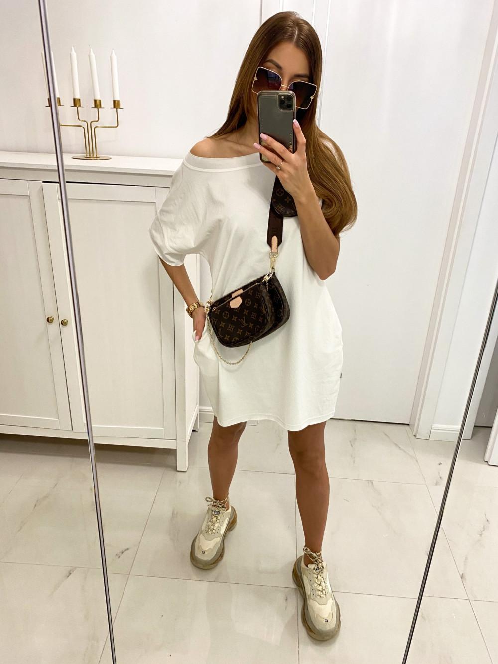 Biała klasyczna luźna sukienka Ornella 2