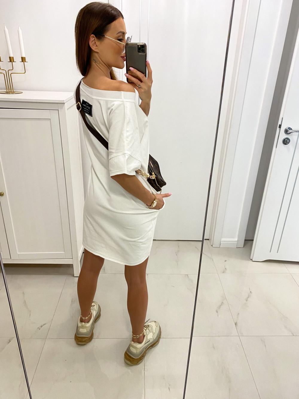 Biała klasyczna luźna sukienka Ornella 3