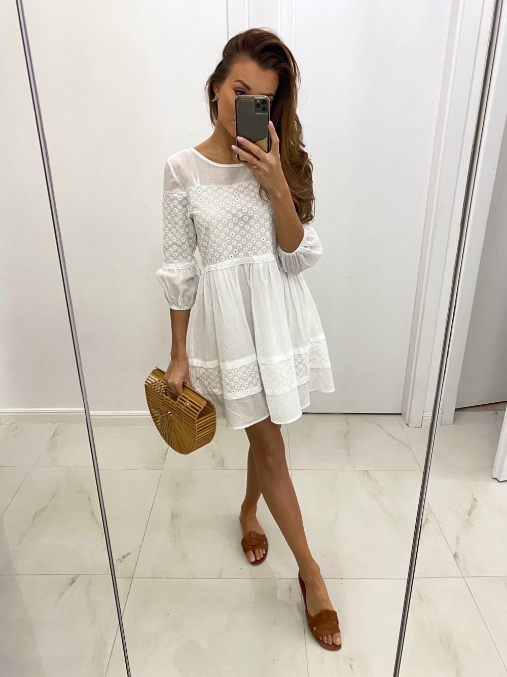 Biała ażurowa sukienka rozkloszowana z falbankami boho Susanna 2