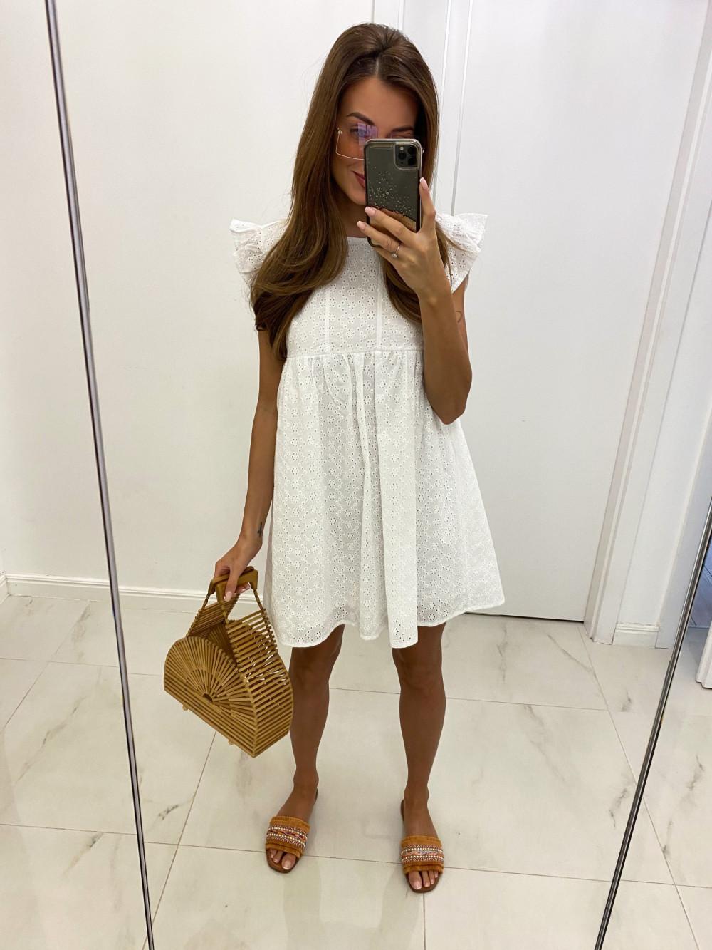 Biała ażurowa sukienka trapezowa rozkloszowana z falbankami Antoinette 2