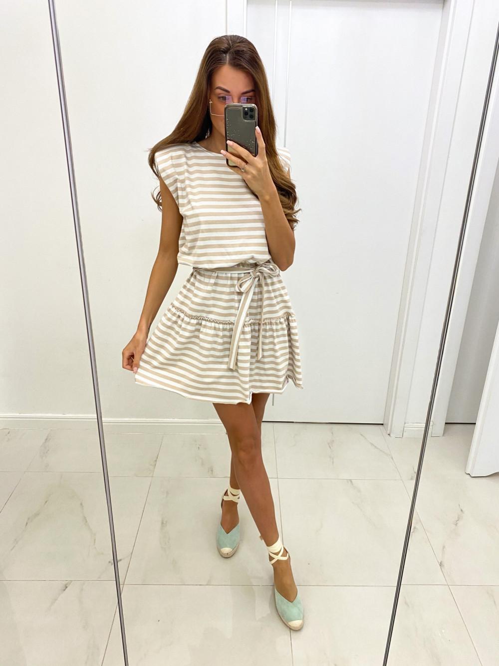 Beżowa rozkloszowana sukienka w paski Arlette 2